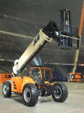photo of JLG G15-44A